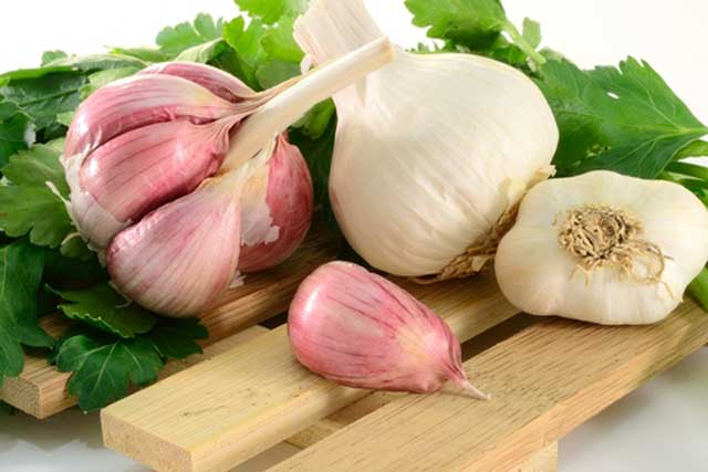 Benefits-of-Garlic-for-Health