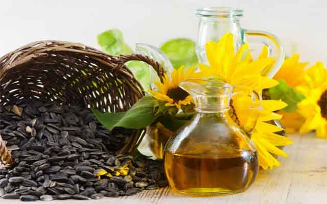 10 Benefits of Sunflower Oil for Skin