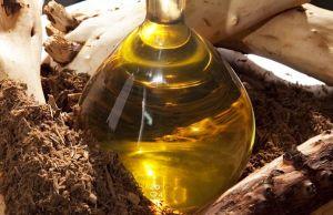 Sandalwood essential oil 1