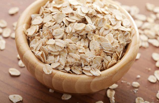 Egg White with oatmeal to Firm Skin