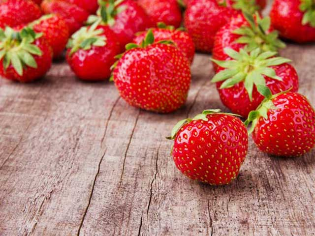 Boosting immune fruit strawberry