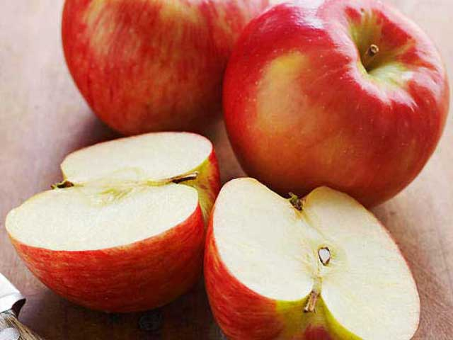 Boosting immunuty fruit Apple fruit