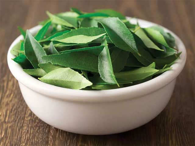 curry leaves as fat-burning drinks