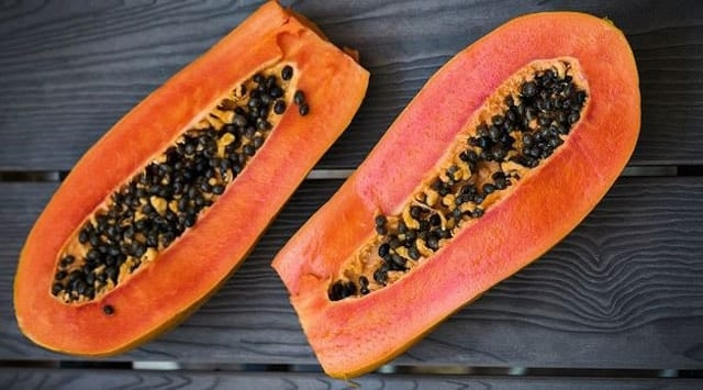 Benefits and Risks of Papaya for Women
