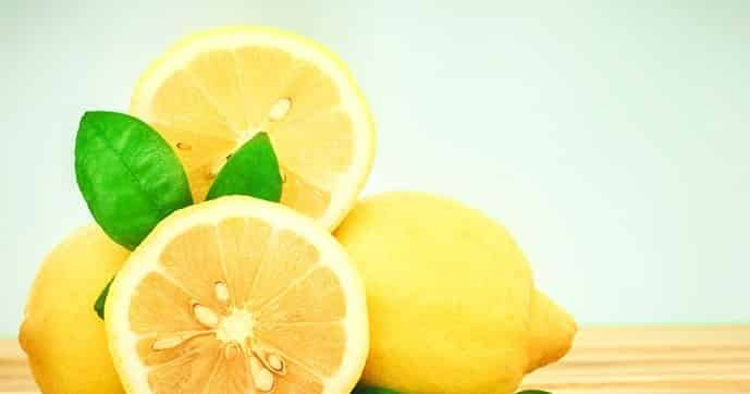 Baking Soda and lemon For Dandruff