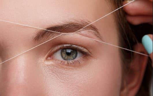 How to Thread Eyebrows